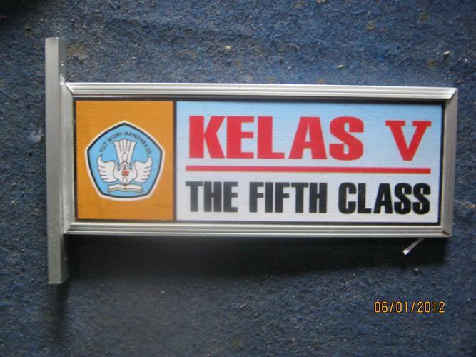 Papan Nama Ruang Kelas Mai Pusat Name Tag Papan Nama Dada