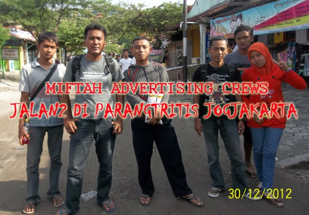 JALAN2 DI PARANG TRITIS