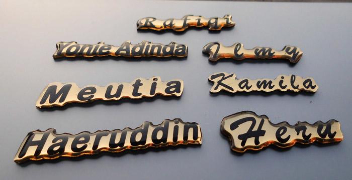 badge name name tag nama dada warna emas exclusive menyesuaikan